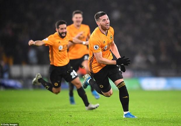 Dan truoc 2-0, Man City van phai 'nem trai dang' truoc Wolverhampton hinh anh 2