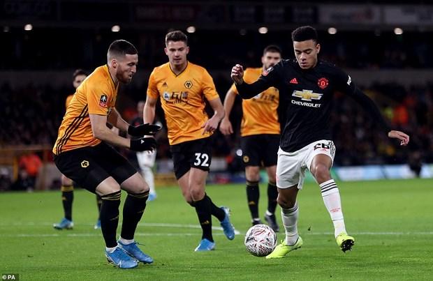 FA Cup: Man City thang tung bung, M.U 'bat luc truoc' Wolves hinh anh 2