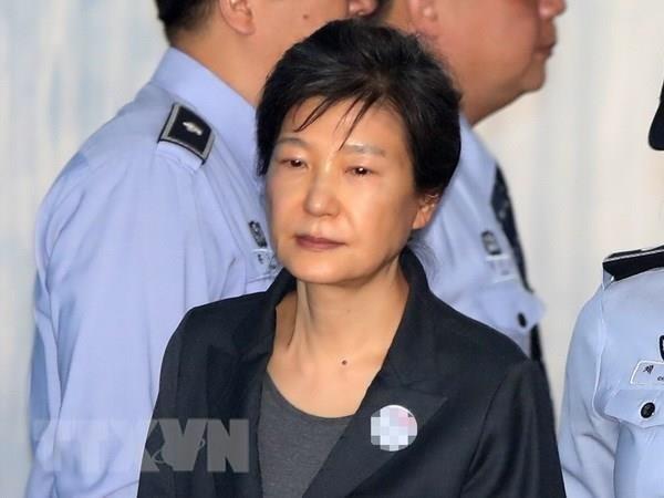Phien toa xet xu lai ba Park Geun-hye ket thuc chi sau 5 phut hinh anh 1