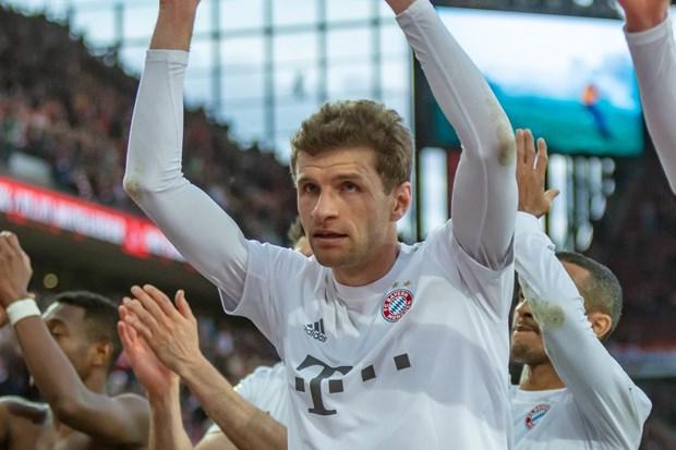 Bayern Munich tro lai ngoi dau Bundesliga sau chien thang tung bung hinh anh 1