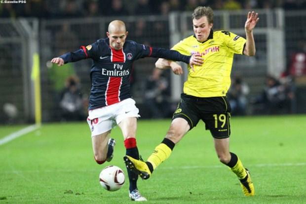 Nhin lai cuoc cham tran truoc day giua Dortmund va Paris Saint-Germain hinh anh 1
