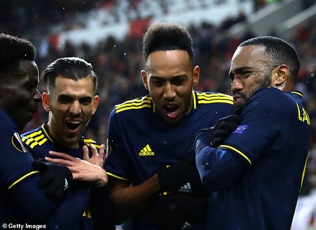 Ket qua: M.U va Arsenal gianh loi the, bong da Duc dai thang hinh anh 1