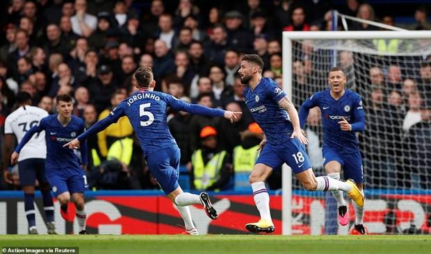 Danh bai Tottenham, Chelsea xay chac top 4 Premier League hinh anh 2