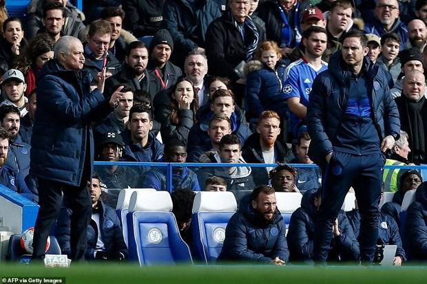 Danh bai Tottenham, Chelsea xay chac top 4 Premier League hinh anh 1