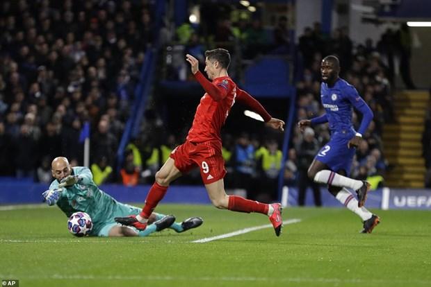 Dai pha Chelsea ngay o London, Bayern dat 1 chan vao tu ket hinh anh 1