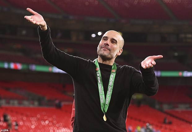 Ha Aston Villa, Man City lan thu 7 gianh chuc vo dich League Cup hinh anh 2