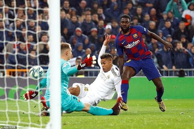Danh bai Barcelona, Real Madrid tro lai ngoi dau La Liga hinh anh 2