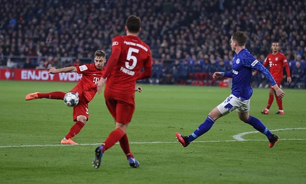 Danh bai Schalke 04, Bayern Munich thang tien ban ket Cup Quoc gia hinh anh 1