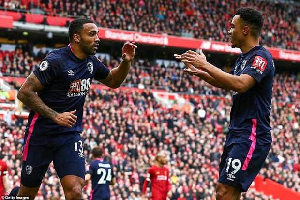 Danh bai Bournemouth, Liverpool tam bo xa Man City 25 diem hinh anh 1