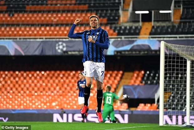 Atalanta lap ky tich o Champions League sau 'con mua ban thang' hinh anh 1