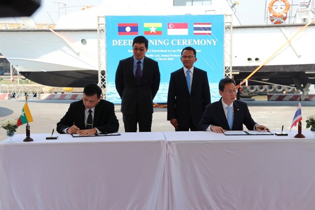 Thai Lan, Singapore ban giao 3 tau tuan tra cho Lao va Myanmar hinh anh 1
