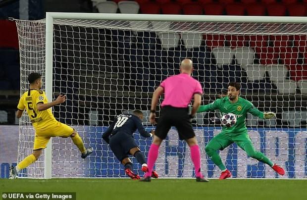 Paris Saint-Germain nguoc dong loai Dortmund khoi Champions League hinh anh 1