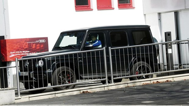 Loi dung dich benh, dan sao Bayern Munich vo tu 'di nham' xe hinh anh 2