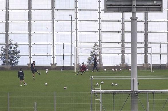 Ronaldo bi chi trich khi tap luyen tren san trong thoi gian cach ly hinh anh 2
