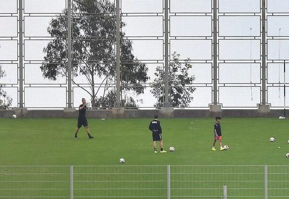 Ronaldo bi chi trich khi tap luyen tren san trong thoi gian cach ly hinh anh 3