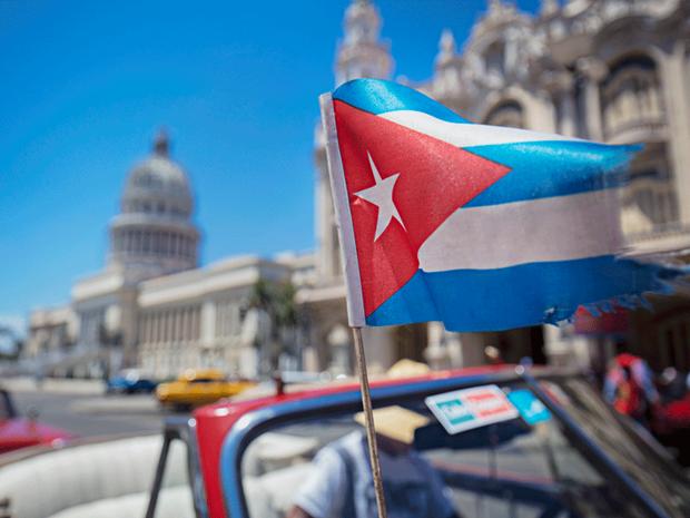 Chinh phu Cuba tiep tuc 'USD hoa' mot phan nen kinh te hinh anh 1