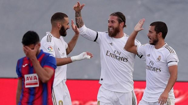 'Ha guc nhanh' Eibar, Real Madrid thu hep khoang cach voi Barcelona hinh anh 1