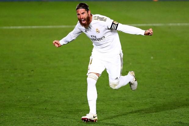 Ramos tiep tuc ghi ban, Real Madrid bo xa Barcelona den 4 diem hinh anh 1