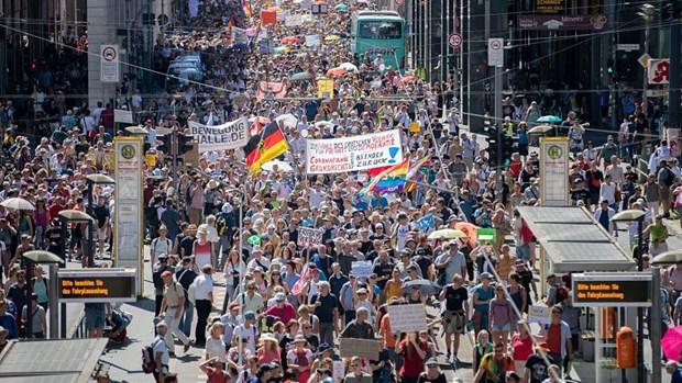 Đức: Kêu gọi hình phạt cứng rắn trường hợp vi phạm giãn cách xã hội