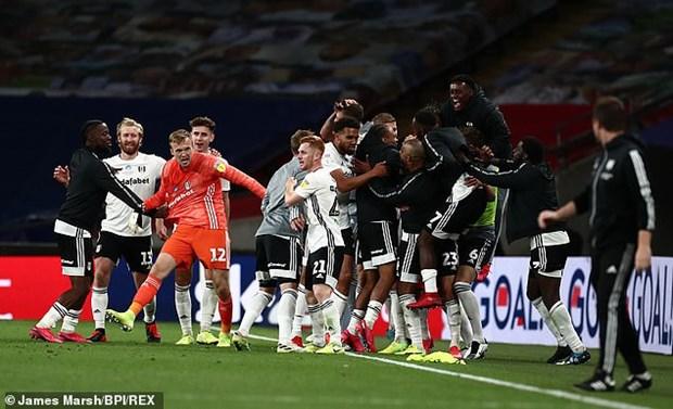 Fulham thang hang Premier League sau tran cau dat gia nhat the gioi hinh anh 1