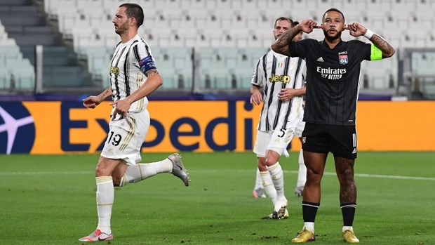 Ronaldo lap cu dup, Juventus van cay dang chia tay Champions League hinh anh 1