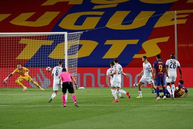Thang Napoli, Barcelona 'dai chien' Bayern o tu ket Champions League hinh anh 1