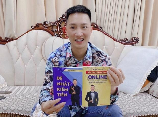 Xu phat Huan 'hoa hong' vi boi nho cong chuc, thanh nien TP.HCM hinh anh 1