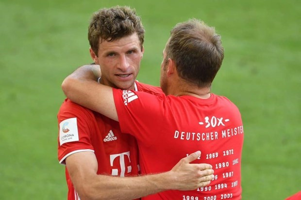 Hansi Flick va thu ngon ngu cua trai tim... tao nen Bayern 'huy diet' hinh anh 1