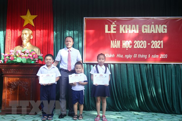 Khanh Hoa: Khai giang nam hoc moi 2020-2021 o huyen dao Truong Sa hinh anh 1