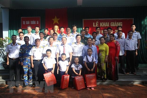 Khanh Hoa: Khai giang nam hoc moi 2020-2021 o huyen dao Truong Sa hinh anh 2