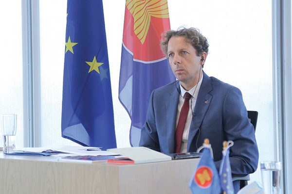 EU trao hon 200 suat hoc bong thac sy cho cac nuoc ASEAN hinh anh 1