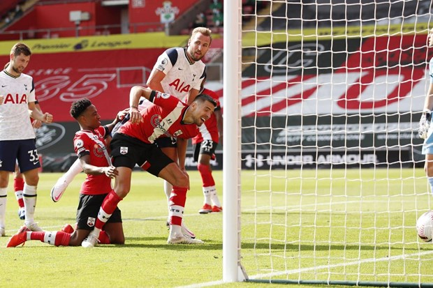 Son Heung-min ghi 4 ban, Tottenham nguoc dong vui dap Southampton hinh anh 2