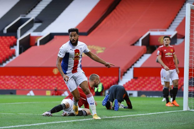 Tan binh Van de Beek ghi ban, M.U van thua tham tai Old Trafford hinh anh 1