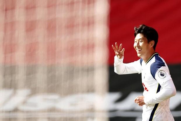 Son Heung-min ghi 4 ban, Tottenham nguoc dong vui dap Southampton hinh anh 1