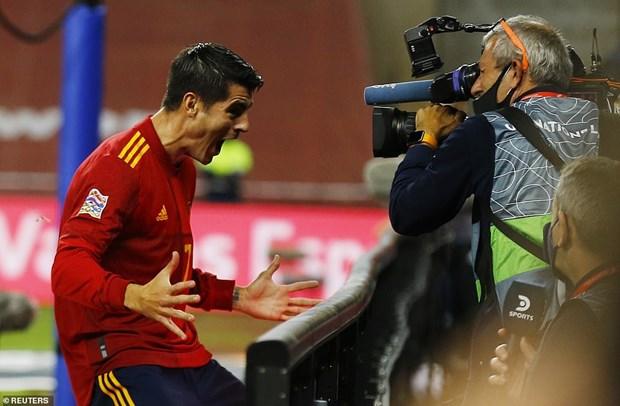 Thang Duc 6-0, Tay Ban Nha hien ngang vao ban ket Nations League hinh anh 1