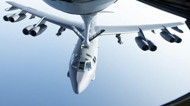 My trien khai may bay nem bom hang nang B-52 den Trung Dong hinh anh 1