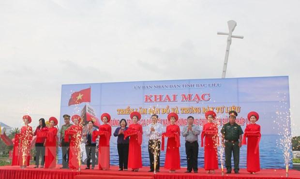Bac Lieu trung bay chung cu phap ly Hoang Sa va Truong Sa cua Viet Nam hinh anh 1