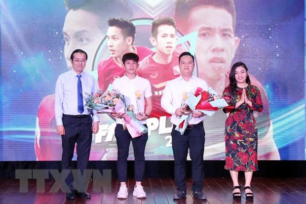 Cau thu Nguyen Nho duoc trao Giai thuong Fair Play 2020 hinh anh 1