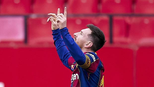 Messi toa sang, Barcelona chi con kem Atletico Madrid 2 diem hinh anh 1