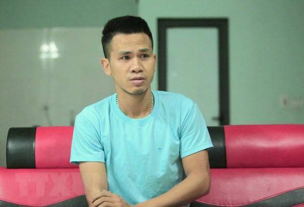 Bo truong Dao Ngoc Dung tang Bang khen cho anh Nguyen Ngoc Manh hinh anh 1