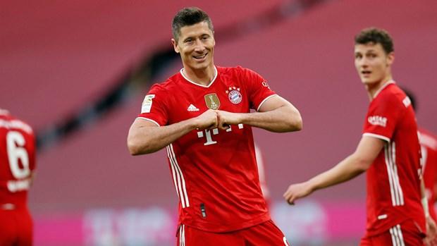Bayern thang huy diet Gladbach 6-0 trong ngay vo dich Bundesliga hinh anh 1