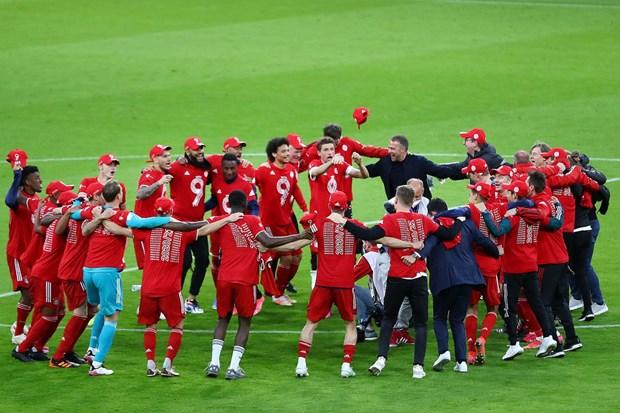Bayern thang huy diet Gladbach 6-0 trong ngay vo dich Bundesliga hinh anh 2