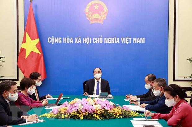 Chu tich nuoc Nguyen Xuan Phuc dien dam voi Tong thong Cong hoa Phap hinh anh 1