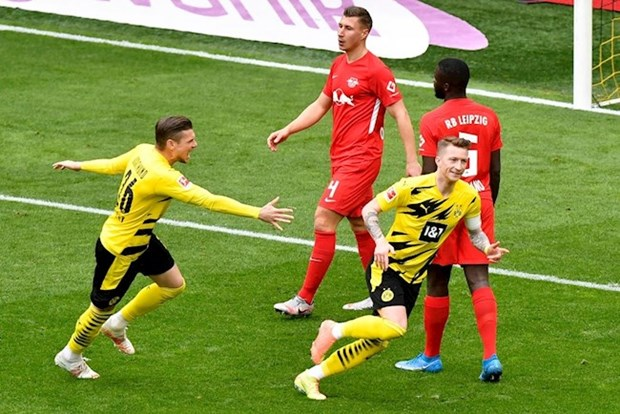 RB Leipzig-Dortmund: Suc ep dang de nang len vai Nagelsmann hinh anh 1
