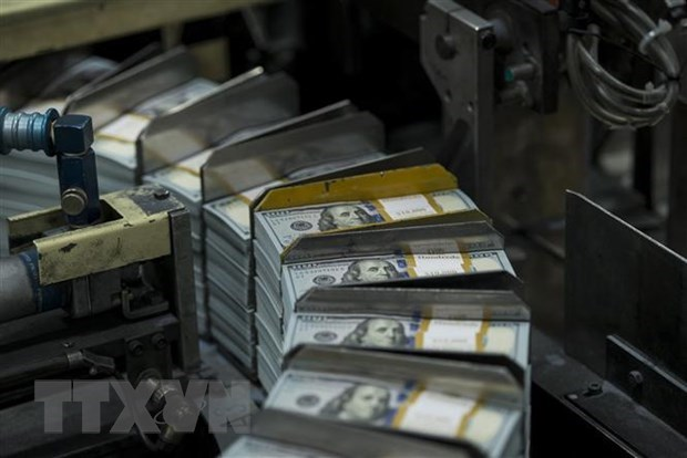 Bang can doi ke toan cua Fed lan dau tien can moc 8.000 ty USD hinh anh 1