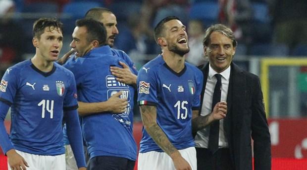 HLV Mancini 'phu phep' Italy tu mo hon don thanh co may chien thang hinh anh 1