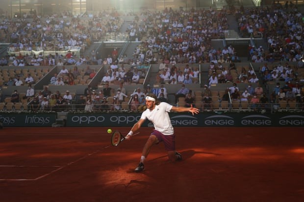Djokovic len ngoi Roland Garros sau man nguoc dong ngoan muc hinh anh 1