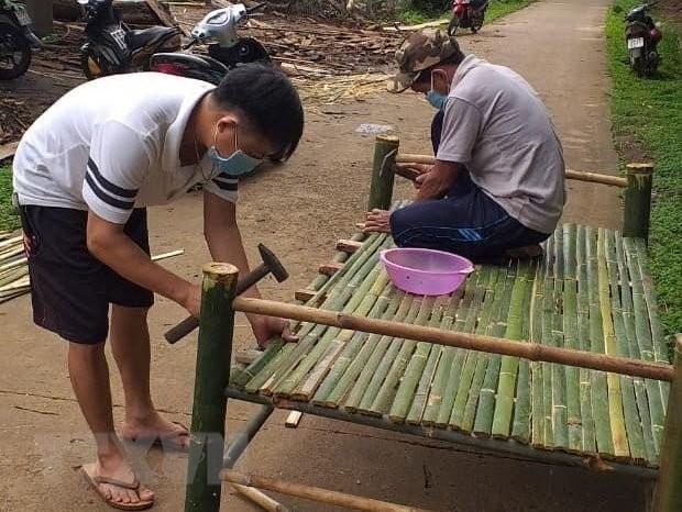 https://cdnimg.vietnamplus.vn/t620/uploaded/mzdic/2021_07_24/ttxvn_lam_giuong_tre_tang_khu_cach_ly_1.jpg