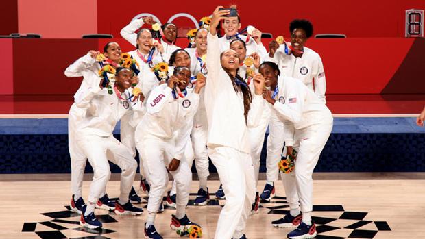 Tuyển bóng rổ Mỹ góp công giúp Mỹ giành ngôi số 1 tại Olympic Tokyo 2020. (Nguồn: Reuters)