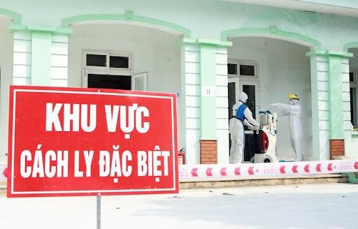Tham gia tuyen dau, hai can bo y te tai Lao Cai nhiem SARS-CoV-2 hinh anh 1